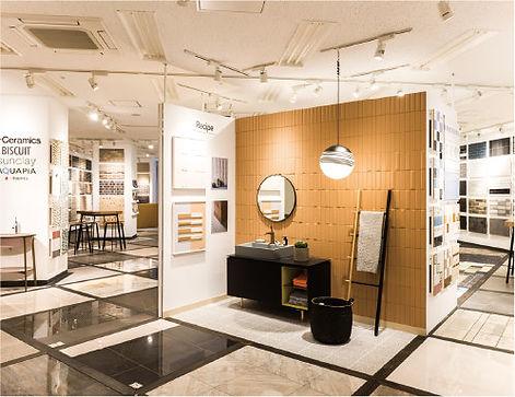 showroom_img.jpg