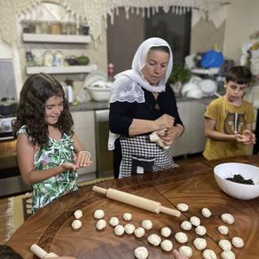 סבא בן 70? סבתא בת 60? רעיון מדליק ליום הולדת לכל המשפחה - סדנת בישול דרוזי וחוויה לעוד שנים רבות