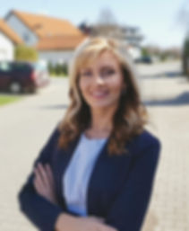 Alexandra Kurbanova real estate agent in Prague
