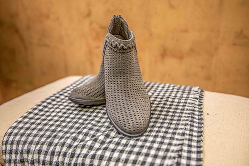 Earth Perry Bootie- characoal grey
