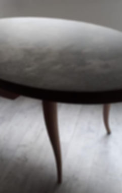 tavolo cemento tarantino.jpg