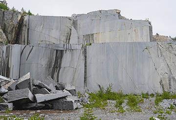 abandoned_quarry_5x3,4.jpg