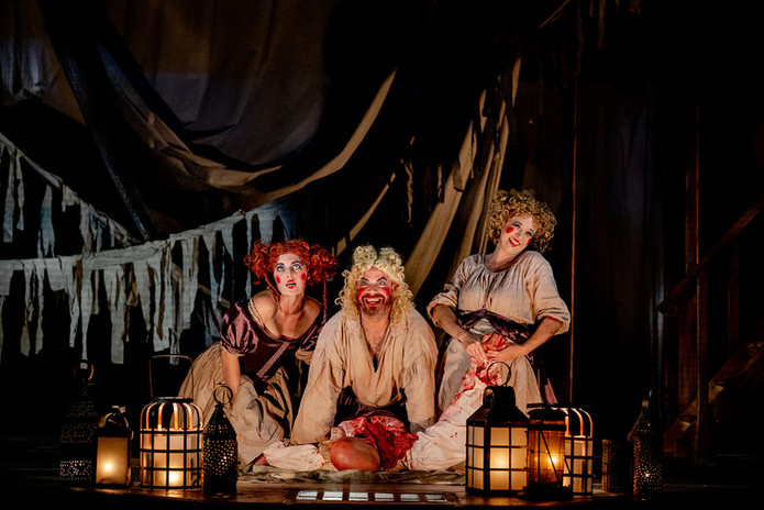 Macbeth at Folger Theatre directed by Robert Richmond photo by Bee Two Sweet photography