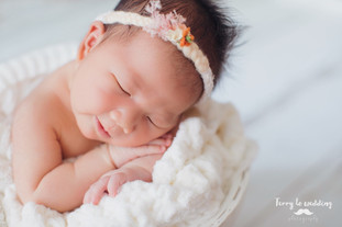newborn shooting session