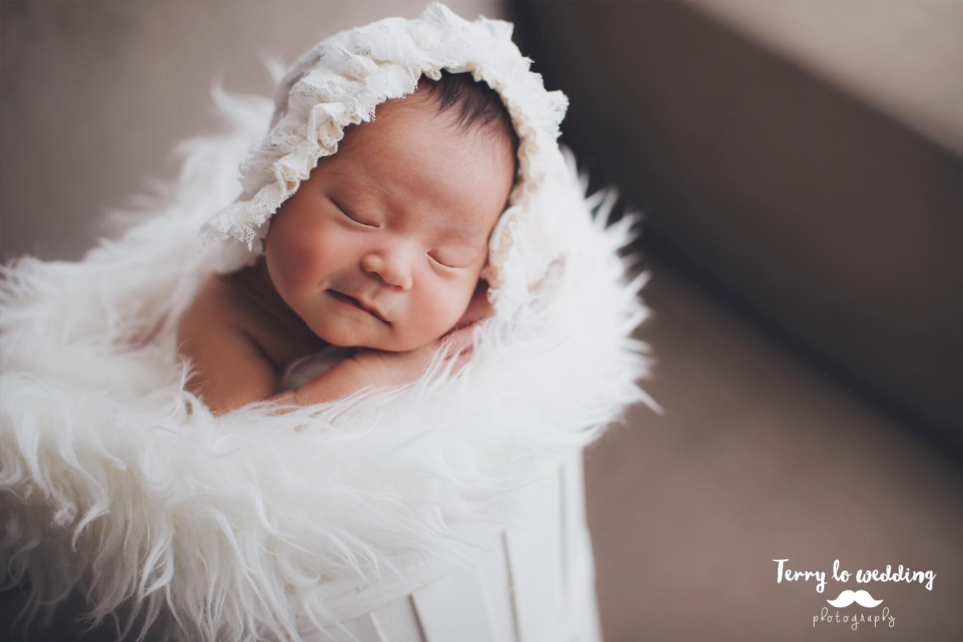 newborn_claire_1920_01_VSCO