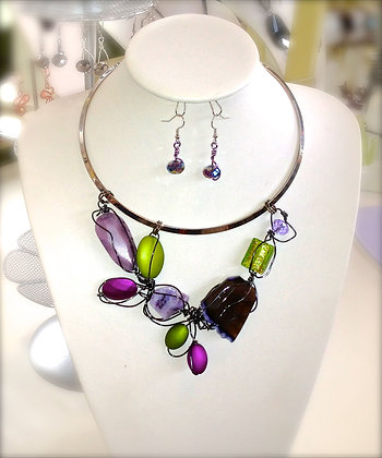 Gemstone Wirework Bib Set