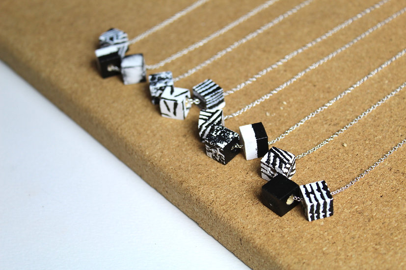 3 MINI CUBES NECKLACE ASSORTED