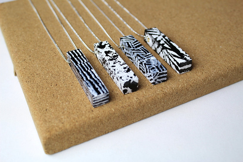RECTANGLE NECKLACE ASSORTED