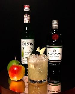 Semaine 8_ Le Pom' Pidoux_- Citron vert_- Purée de pomme verte_- Ananas_- Sirop d'estragon_- Gin__#c