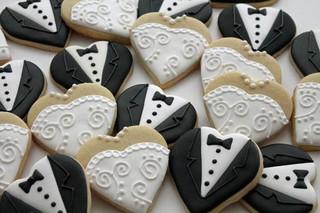 bride and groom cookie