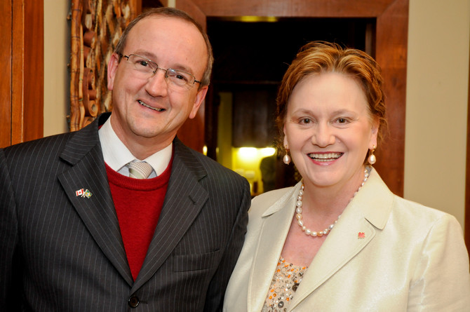 Presidente Aastra Telecom e Vice Consulesa Canadá
