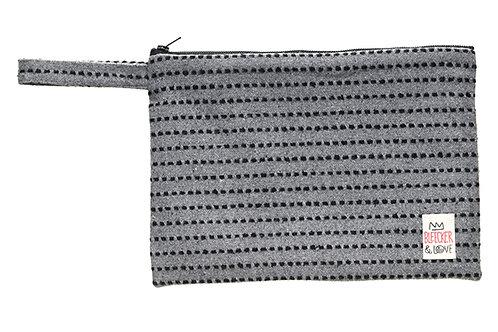 STITCHES BLACK small (25x18)cm
