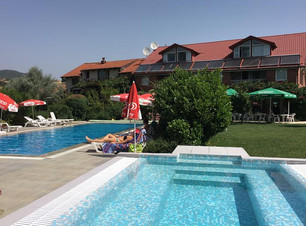 Oaza Inn.jpg