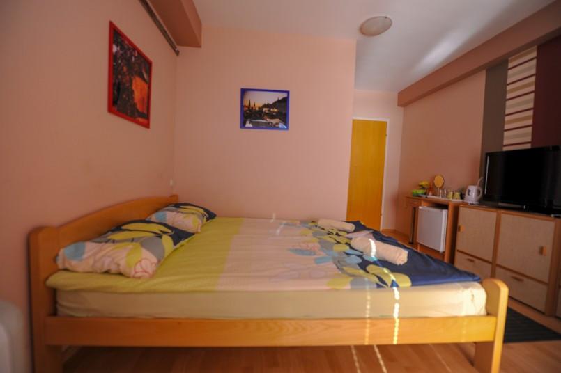 Lukanov double room.jpg