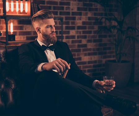 Man%20with%20cigar%20and%20whiskey_edite
