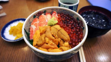 """伊豆で海鮮丼と言えば、""""地物派""""ですかそれとも""""イメージ派""""ですか?どうやって区別してますか?【地物の海鮮丼の見分け方】"""