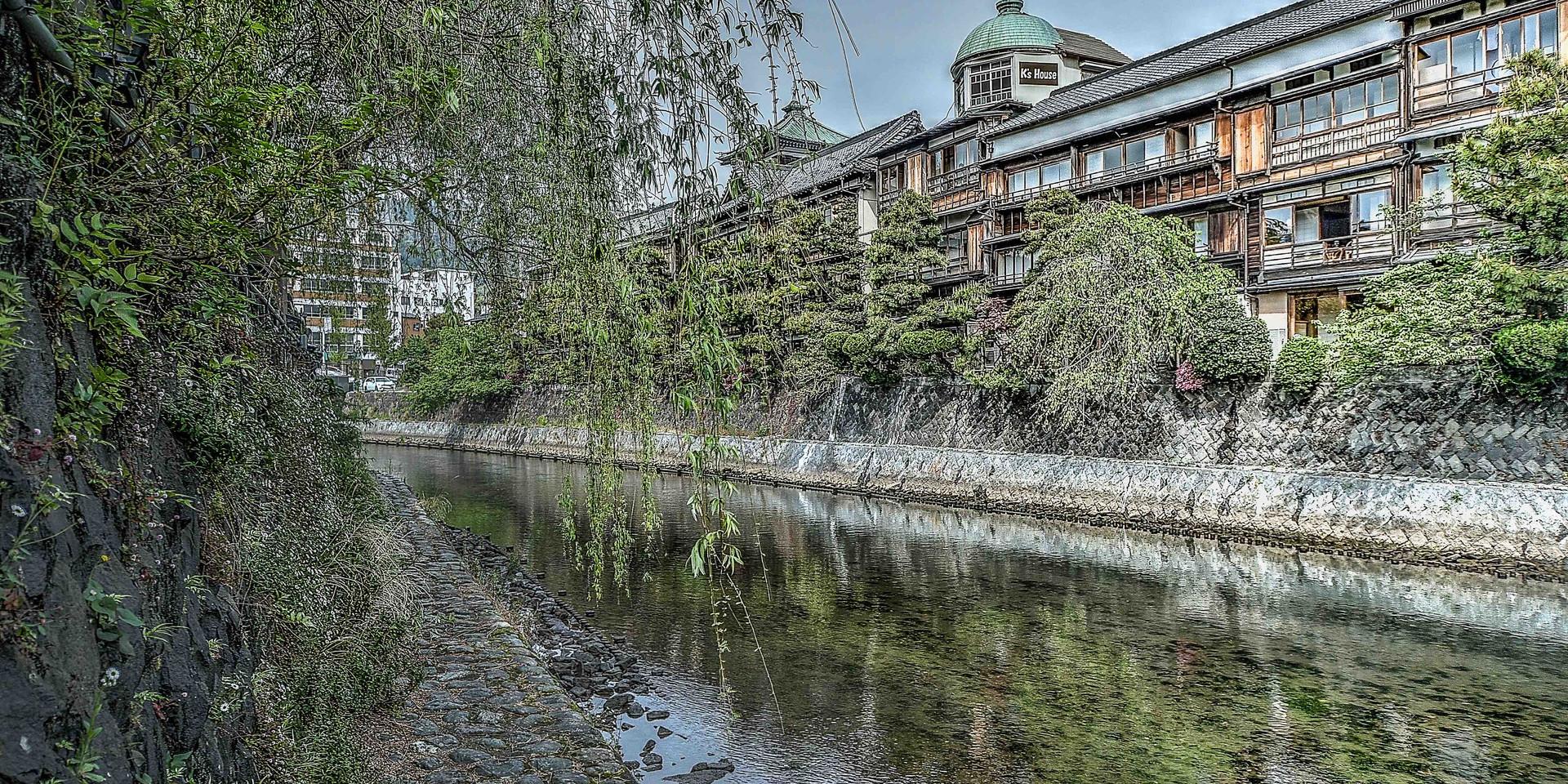 伊東松川の景観