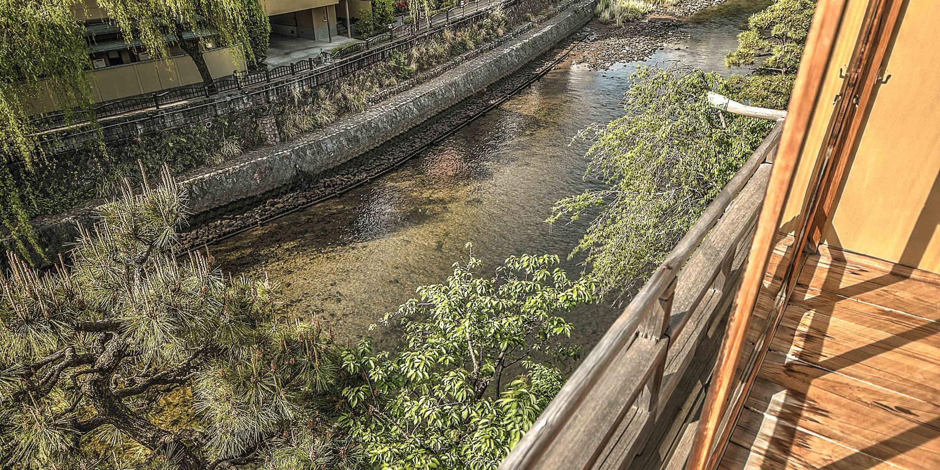旅館から見る松川