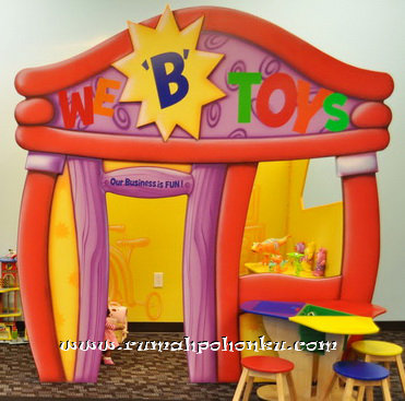 Toy store playhouse
