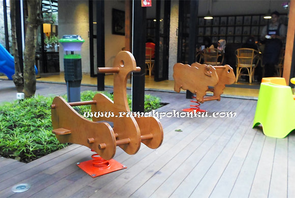 Duck ride indoor spring rider (indoor use only)