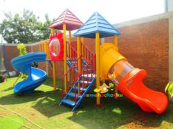 playground besi spiral slide RA Residence TB Simatupang