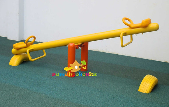 Jungkat Jungkit single (LLDPE seater seesaw)