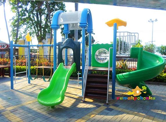 Playground Rumah Kayu Ancol