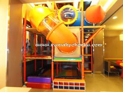 Playground indoor restoran Carls Jr.