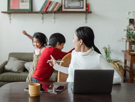 Definindo o papel da mulher: maternidade, casamento e trabalho