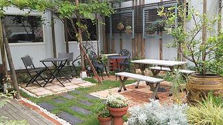 洋風の中庭