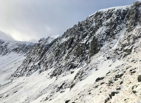 Aonach Mor, snow anchors