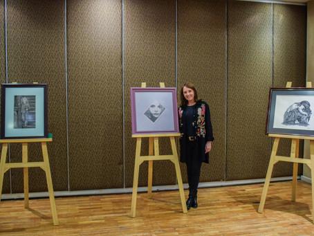 """Nora Inés Carbonell presenta la serie de dibujo """"Por los niños"""""""