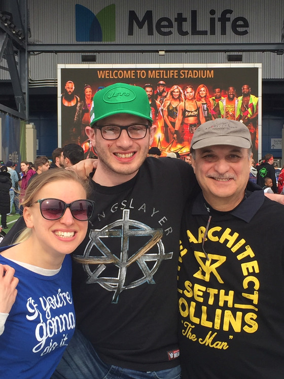 Bob Cozzarelli Attends Wrestlemania 2019!