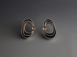 Organic earrings with citrine