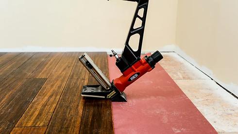 installation-hardwood-floor.webp