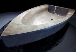 Baignoire en marbre forme voilier