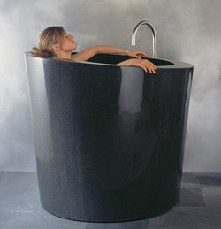 Baignoire en marbre noir