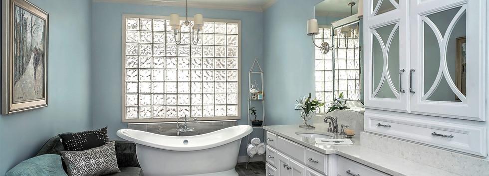 blue and white bath.jpg