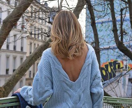 Boostez votre style en portant votre pull à l'envers !