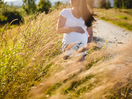 SUNSET MATERNITY SESSION {MAPLE RIDGE PHOTOGRAPHER}
