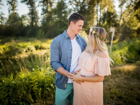 PITT LAKE GOLDEN HOUR MATERNITY SESSION {PITT MEADOWS FAMILY PHOTOGRAPHER}