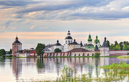Кирилло-Белозерский монастырь.jpg