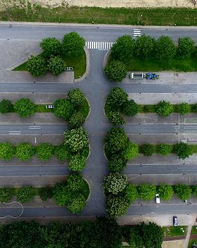 Luftbild von einem Parkplatz