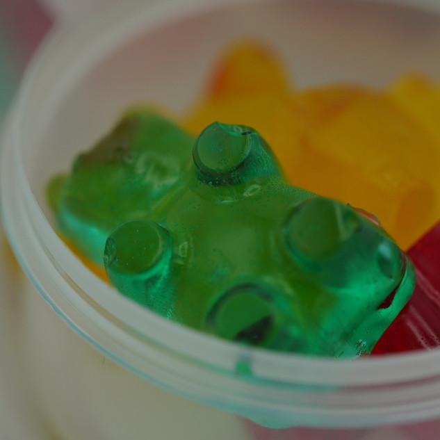 100mg pack of gummy bears