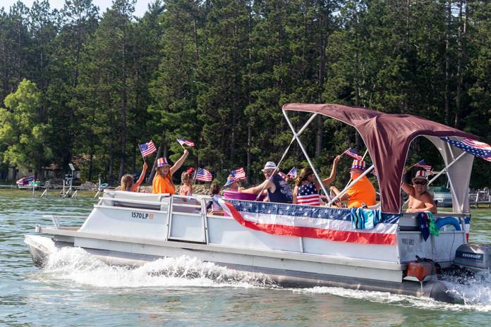 WT Boat Parade-3.jpg
