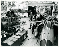 84-12-10-Busy Hangar
