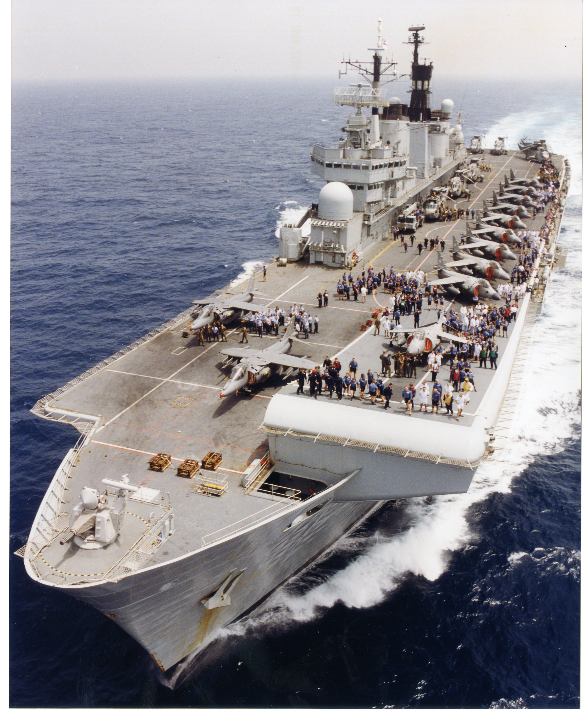 2000-Busy Flight Deck