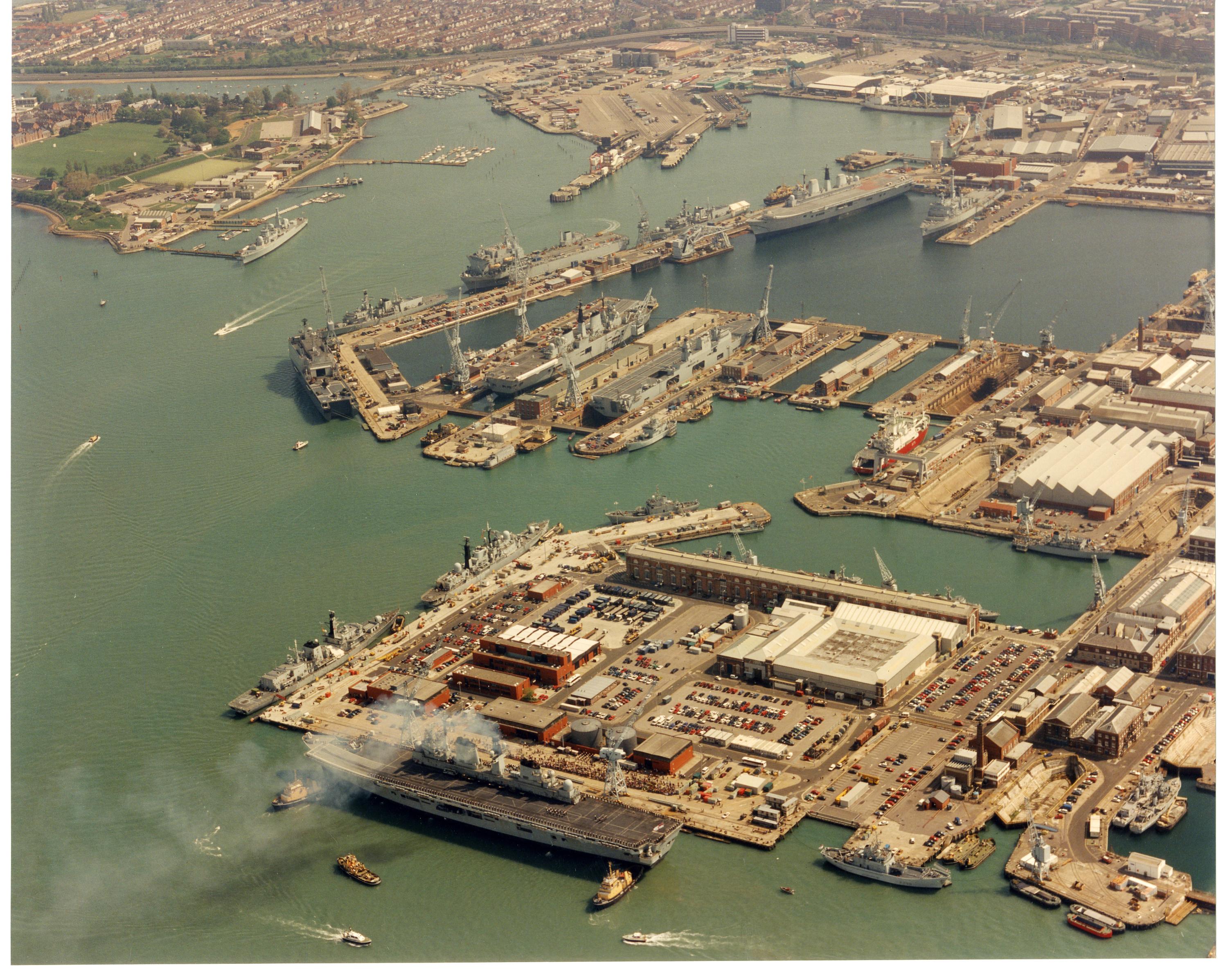 98-Full Dockyard