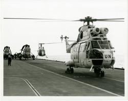 95-4-1-UN Cabs on deck