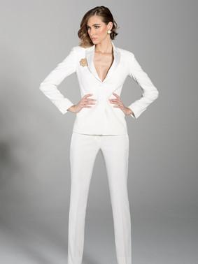 Diamond White Peak Lapel Tuxedo Jacket & Diamond White Slim Fit Tuxedo Pants